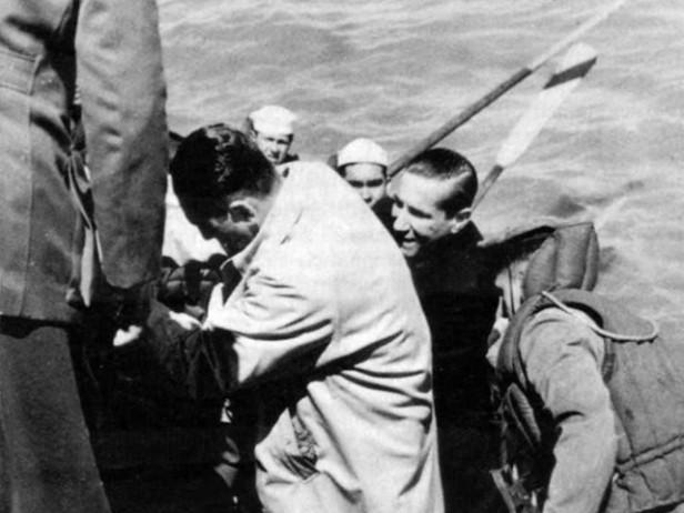 Perón se retira al exilio