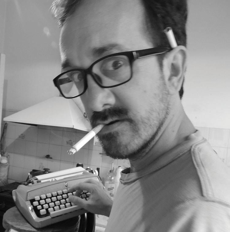 Luciano Lamberti:«Uno escribe el libro siguiente para tapar la vergüenza del anterior»