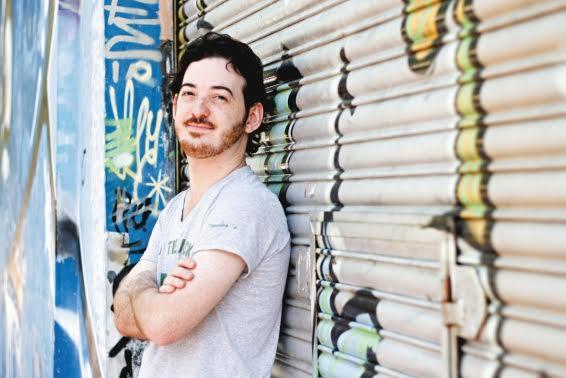 Santiago Kahn: «Editar libros en Argentina es un acto de fe»