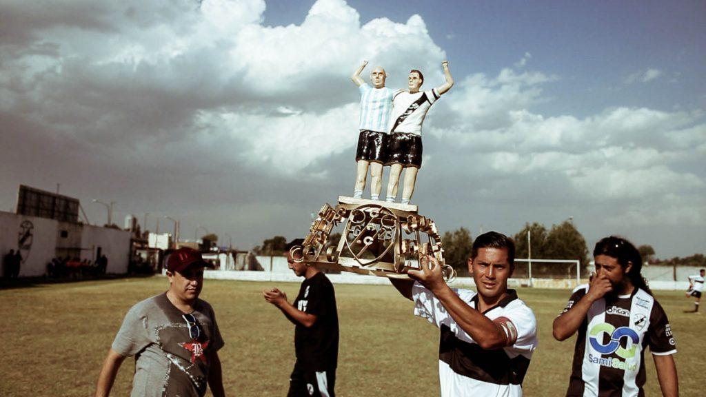Contrapelota: sostén del fútbol de los millones