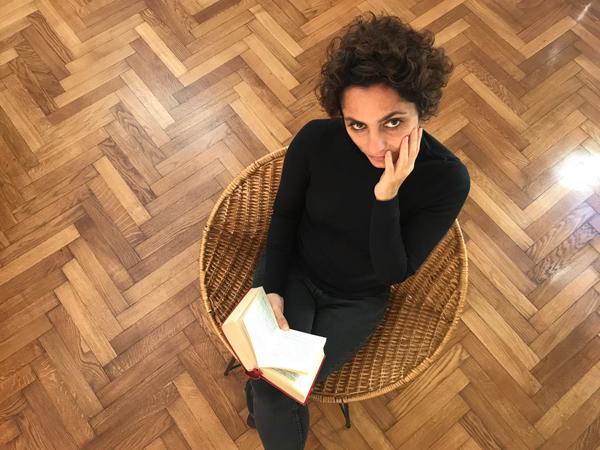 Mariana Skiadaressis: «¿Qué hacemos con la idea del amor y toda esa mierda que nos venden?»
